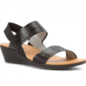 ✨🆕✨BARE TRAPS Melody sandals